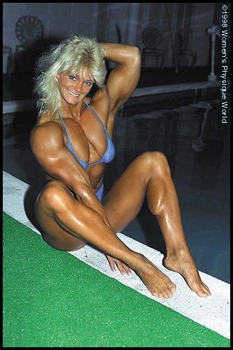 Raye Hollitt Nude